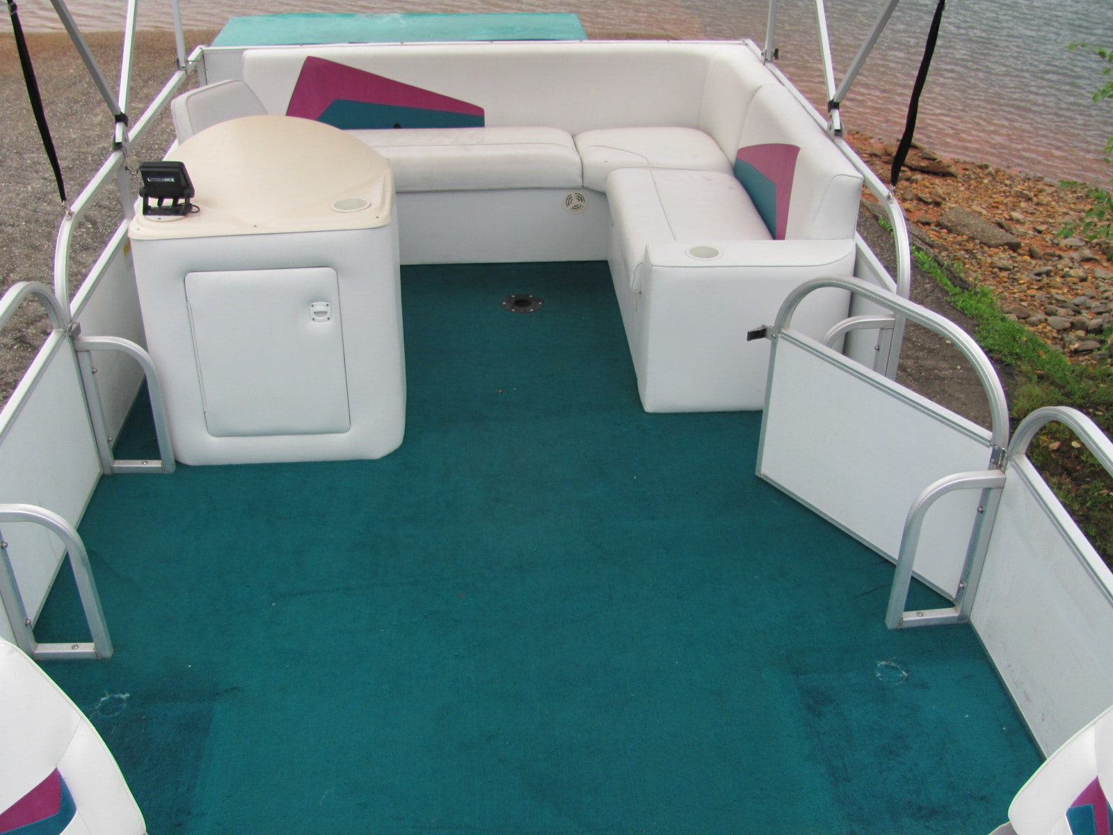 Tracker 18 Sundancer Pontoon 50 Mercury Engine, 1997